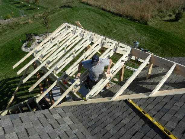 the use of valley board to nail down rafter in porch roof addition design