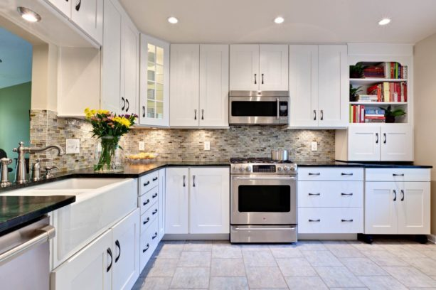 10 Most Adorable White Kitchen Cabinets With Black Countertops To Create Elegant Modern Style Aprylann