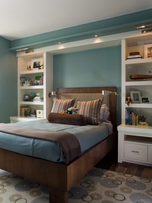 murphy bed in the middle of the transitional kid's room